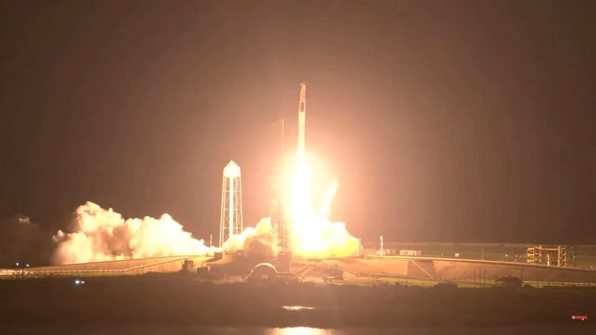 SpaceX запустила ракету Falcon 9 та корабель Crew Dragon до МКС