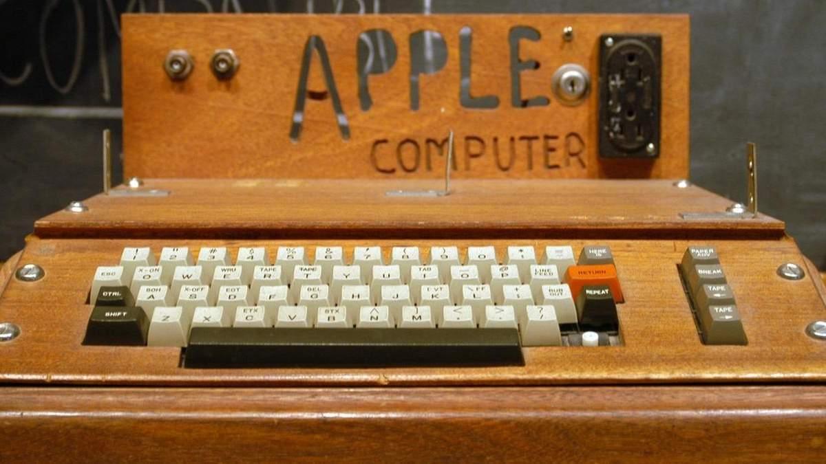 Что продали Джобс и Возняк, чтобы профинансировать первый компьютер
