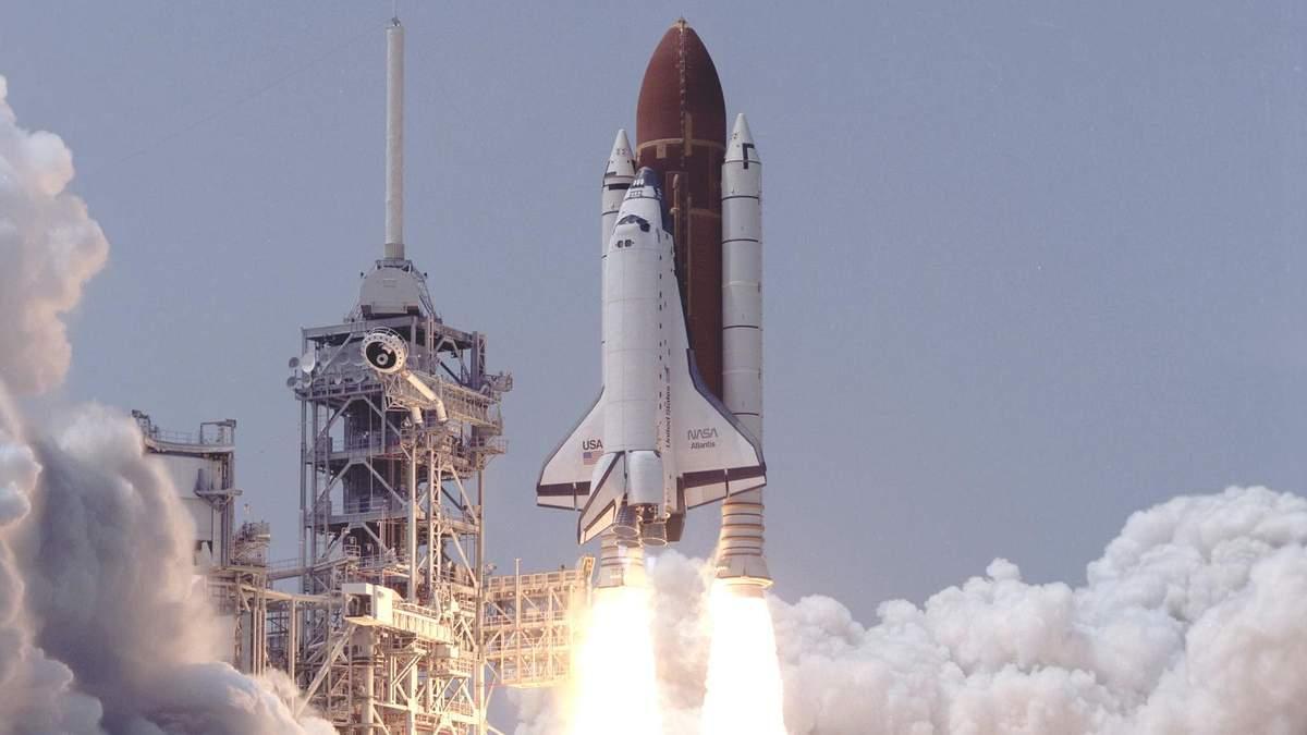 """Запуск шаттлу """"Атлантіс"""" 32 роки тому: підбірка фотографій"""