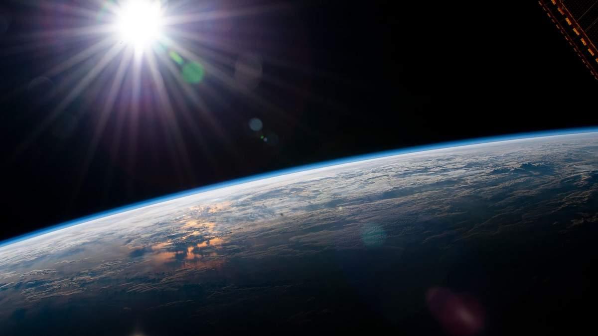 Що станеться з орбітою Землі, якщо зникне Сонце