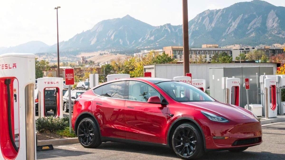 Тесла відкливає електромобілі  Model 3 та Model Y через неполадки