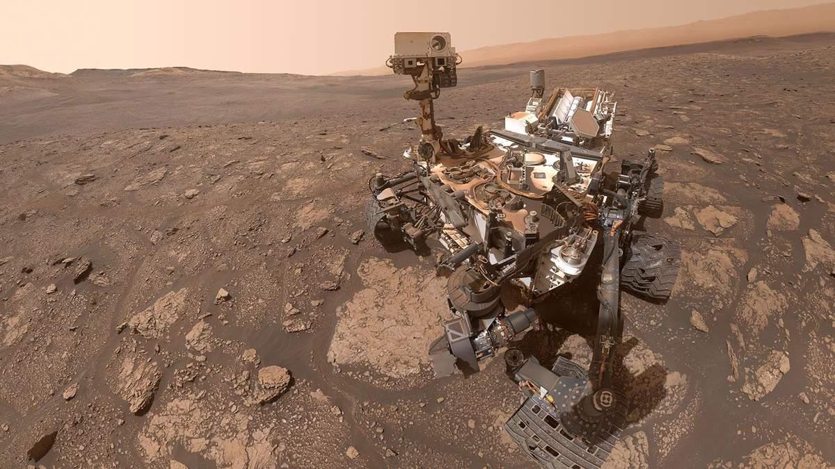 Марсоход Кьюриосити сфотографировал серебристые облака на Марсе