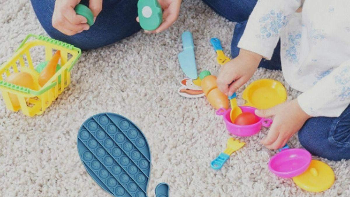 Симпл димпл, поп ит, сквиш: какие игрушки украинцы покупают своим детям в интернет-магазинах