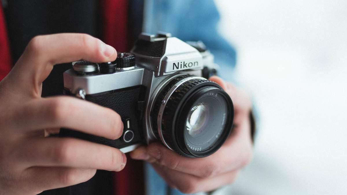 Nikon останавливает производство фотоаппаратов в Японии