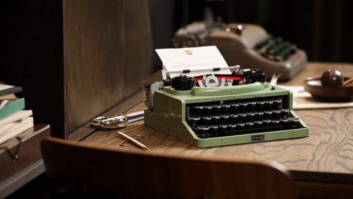 Lego создала конструктор в виде печатной машинки
