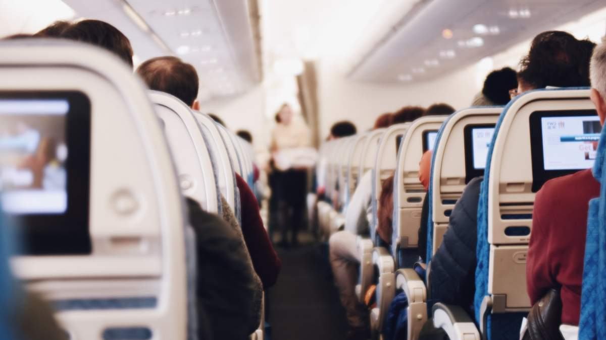 Starlink почав переговори з авіакомпаніями про запуск Wi-Fi у літаках
