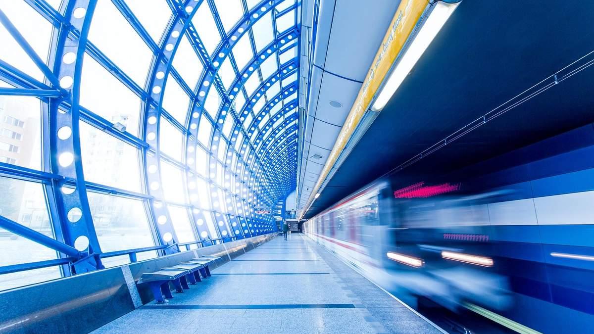 В киевском метро произошел сбой - не работает Google Pay и Apple Pay