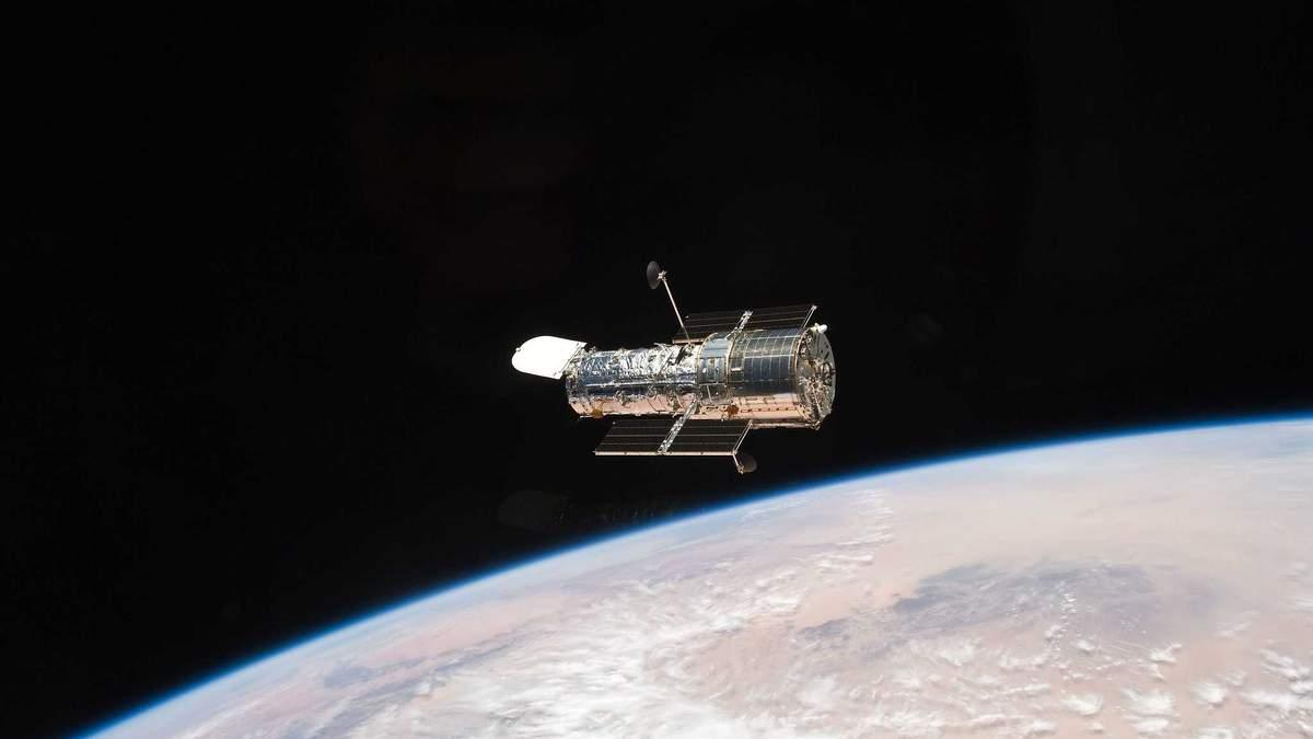 Телескоп Hubble вкотре не можуть полагодити: у чому справа