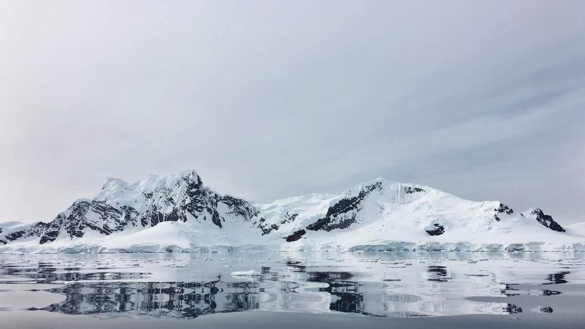В Антарктиді зникло гігантське озеро – екологи назвали причину