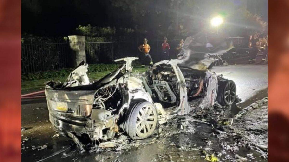Tesla S Plaid сгорела дотла при загадочных обстоятельствах – фото