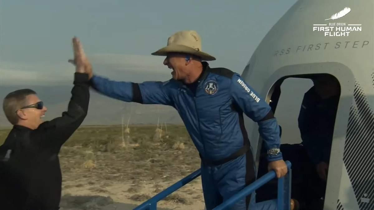 Джефф Безос здійснив політ на ракеті New Shepard