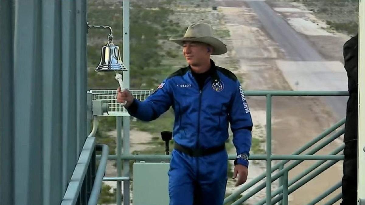 Джефф Безос перед польотом New Shepard