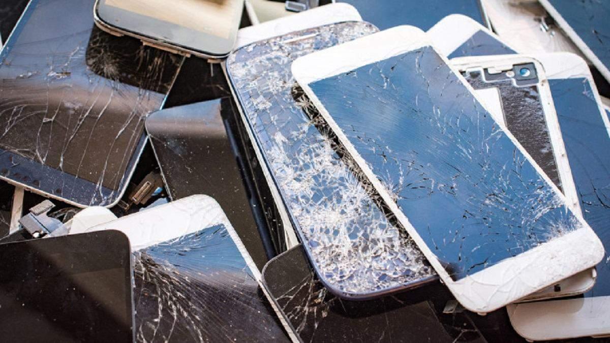Захисне скло для смартфона, яке саме заживає