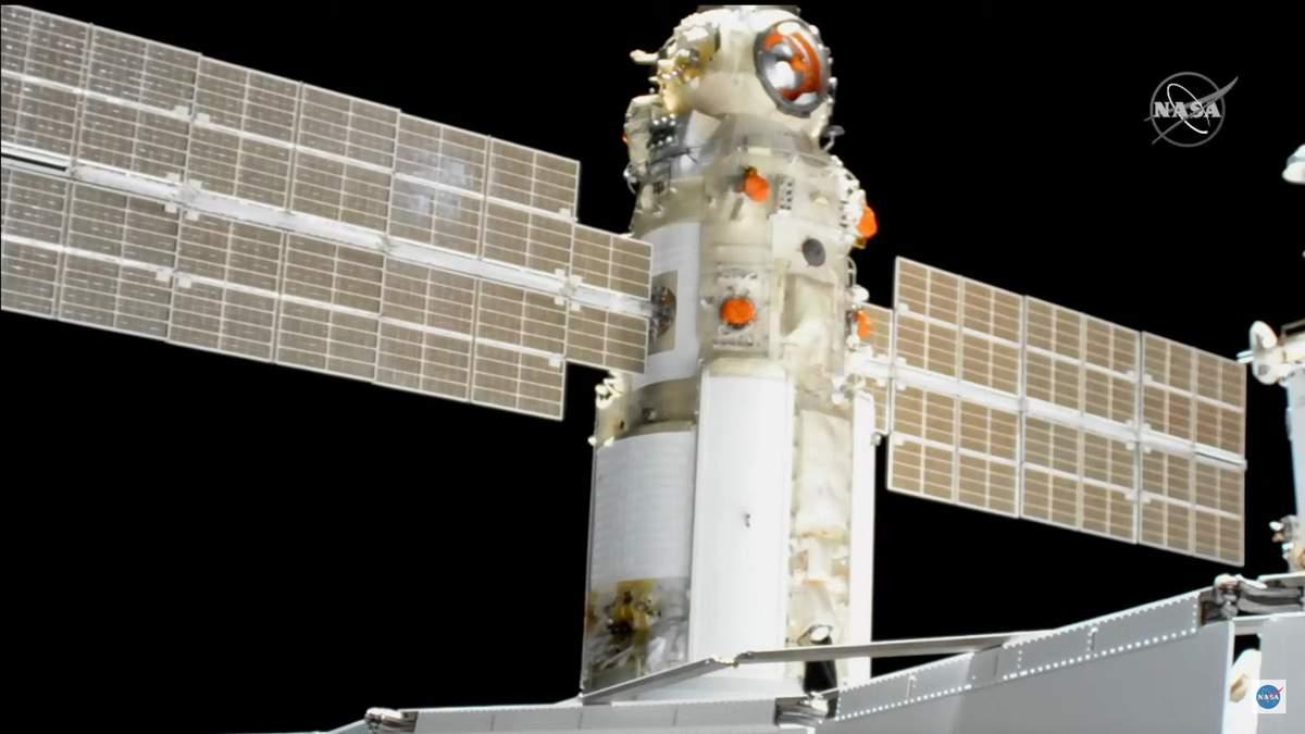 """""""Науку"""" успішно пристикували до МКС в ручному режимі"""