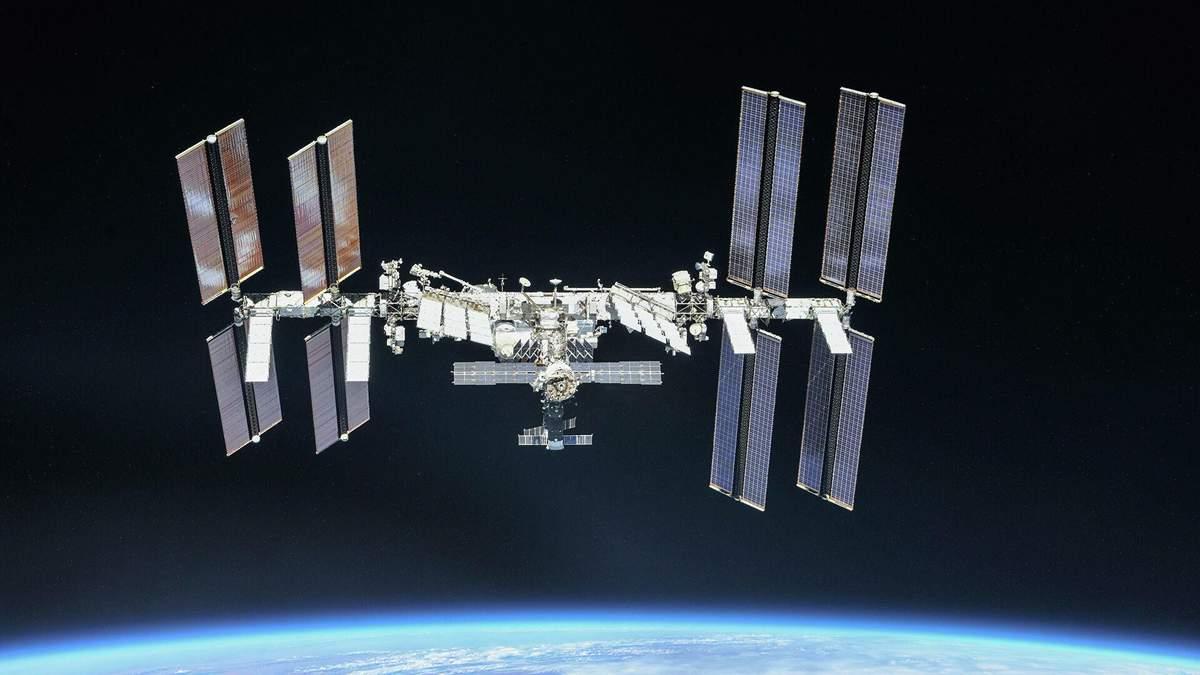 """Двигатели """"Науки"""" самостоятельно включились и заставили МКС неконтролируемо вращаться"""