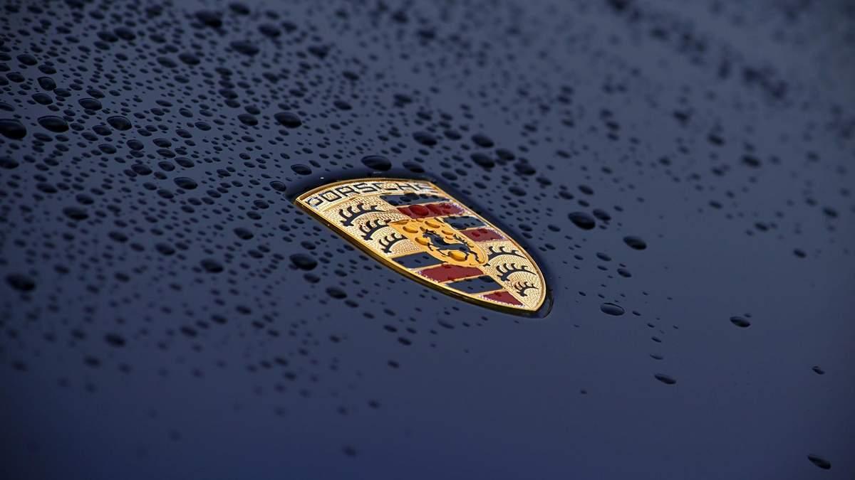 Porsche комплектует свои автомобили поддельными чипами