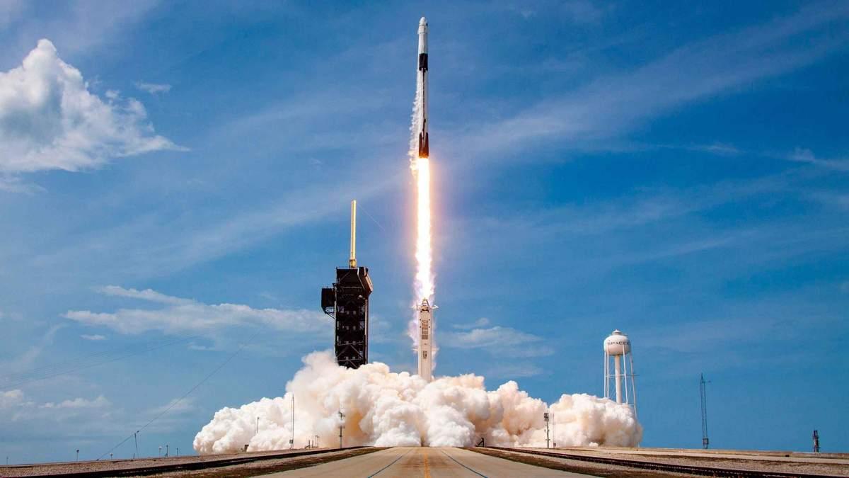 SpaceX выведет в космос канадский спутник для показа рекламы с орбиты