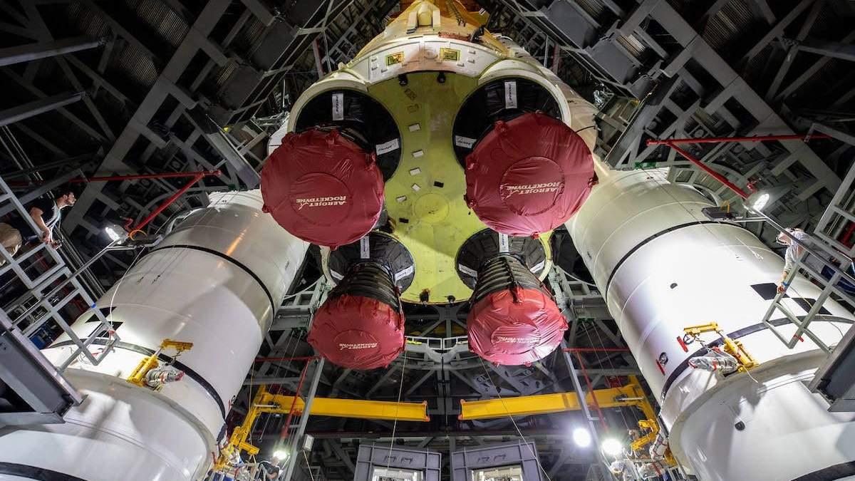 Ракета для польотів на Місяць: ракета отримала програмне забезпечення