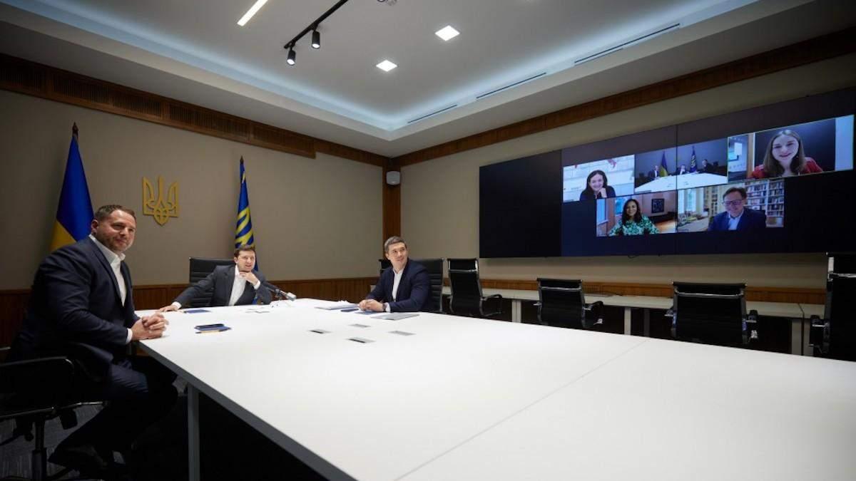 Зеленський запропонував Facebook відкрити офіс в Україні - Техно
