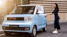 Самый популярный в Китае электромобиль стоит 4400 долларов и заряжается от розетки