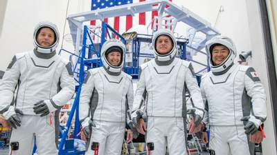 Crew-2: NASA вперше відправить астронавтів до МКС на повторно використаних ракеті та кораблі
