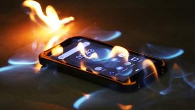 Опасность в кармане: почему смартфоны взрываются и как этого избежать