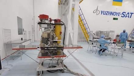 """Україна обрала SpaceX для запуску власного супутника """"Січ 2-30"""""""