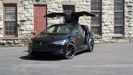 Проблеми з Model X: Tesla відкличе понад 12 тисяч електромобілів