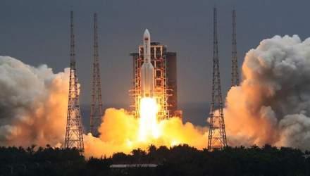 """Уламки китайської ракети """"Чанчжен-5В"""" впадуть на Землю: відома приблизна дата"""
