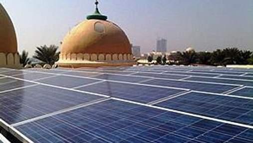 В ОАЭ на мечети установили солнечные батареи