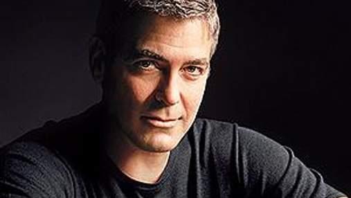 Джордж Клуни хочет сыграть главную роль в биографии Джобса