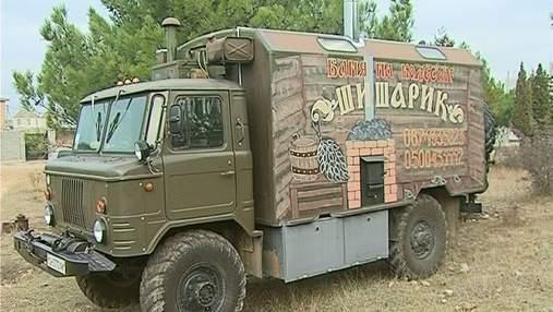 Предприниматель переделал грузовик ГАЗ-66 под передвижную баню