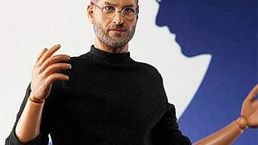 Apple хоче подати в суд на китайців за ляльку Стіва Джобса