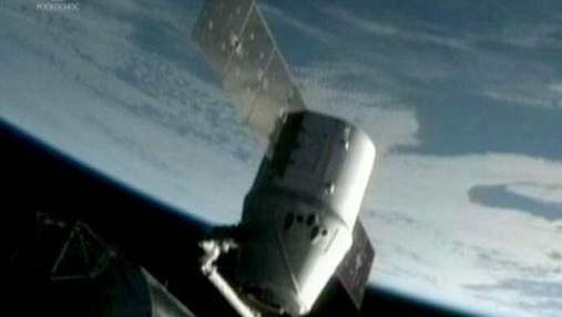 Первый частный космический корабль вернулся на Землю