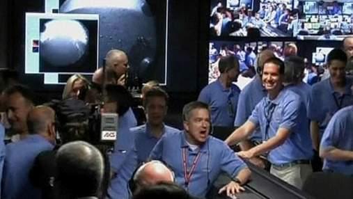 Марсоход Curiosity передал первые фотографии Марса