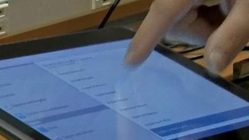 Суд: Apple і Samsung крали технології одна в одної