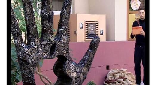 Одесити встановили скульптуру на честь Стіва Джобса