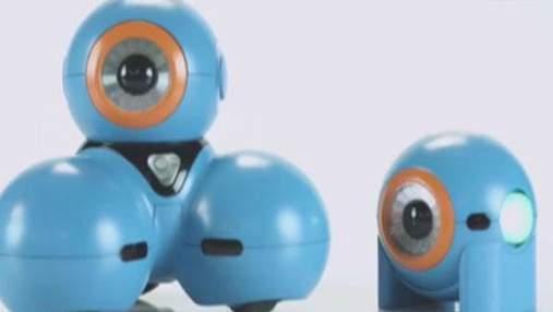 Смартфоны можно будет складывать, как компьютеры, а роботы научат детей программировать