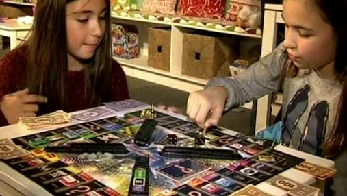 """Пушистик """"Ферби"""" и роботы - самые популярные рождественские подарки"""