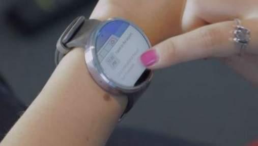 """""""Розумний"""" годинник з круглим дисплеєм від Motorola"""