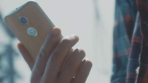 """Компания Motorola представила """"умную"""" Bluetooth-гарнитуру"""