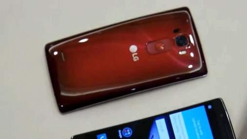 "LG представила смартфон, который ""заживляет ""царапины"