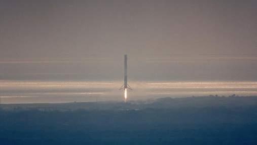 SpaceX успішно запустила ракету-носій: опублікували фото та відео