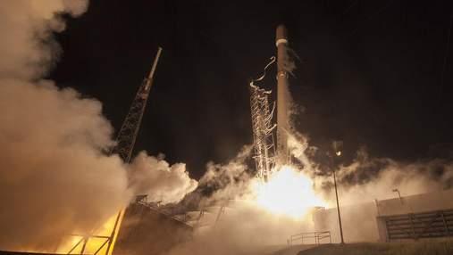 SpaceX отправит космических туристов к Луне: объявлена дата