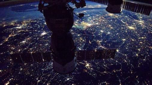 NASA показало неймовірне фото нічної Землі з космосу