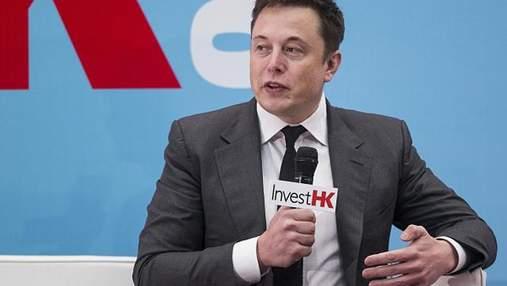 Tesla Model 3: Ілон Маск показав фото першого готового авто