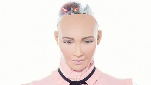 Робот София украсила обложку модного глянца: фото