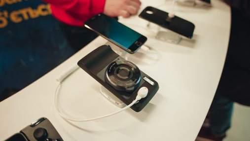 Запас прочности: Moto Z2 Force зарегистрировал рекорд падений экраном вниз без повреждений