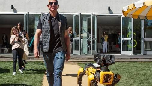 """Джефф Безос """"вывел на прогулку"""" нового робота Boston Dynamics: фото"""