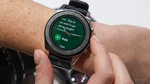Новий смарт-годинник LG отримав фізичні стрілки і багато розумних функцій